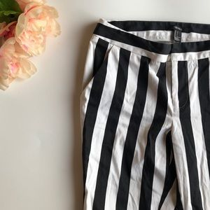 🖤 Forever 21 Striped Pants 🖤
